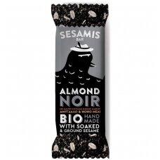 """Juodųjų sezamų ir medaus batonėlis su migdolais """"Almond Noir"""", ekologiškas, 40 g"""